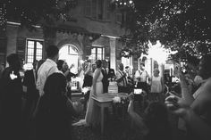 il matrimonio sul lago di Como di Luisa e Alessandro: un'atmosfera intima e uno stile botanico. Tanti dettagli nelle foto di Margherita Calati!