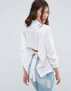 Discover the range of women's shirts and blouses with ASOS. Shop the latest tops, blouses and shirts with ASOS. Asos, Diy Clothes And Shoes, Clothes For Women, Latest Fashion Clothes, Fashion Dresses, Fashion Online, Chicwish Skirt, Choli Dress, Blouse Models