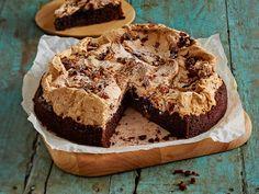 Saksanpähkinä-suklaakakku