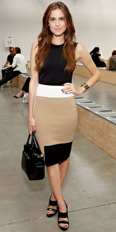 Allison Williams hit the Reed Krakoff runway show during New York Fashion week in a tan, white and black colorblock dress and sleek accessories. )