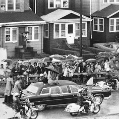 ,Pope John Paul II visiting Queens in October 1979. As long as there have been popes, popes have needed transportation. Footmen used to shoulder his holiness on portable thrones, known as sedia gestatoria, to greet the public. But papal movers evolved with the times.