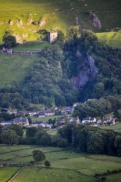 England Travel Inspiration - Peveril Castle, Castleton,Derbyshire, UK built between 1066-1086