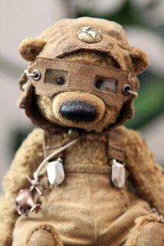 Artist Bears and Handmade Teddy Bears - Thousands of collectable bears from teddy bear artists around the world. Diy Teddy Bear, Vintage Teddy Bears, Cute Teddy Bears, Color Limon, Teddy Hermann, Stuffed Animal Patterns, Stuffed Animals, Bear Doll, Soft Sculpture