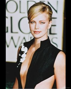 Just saw Huntsman...can't wait to see Charlize Theron in Prometheus now...