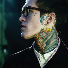 Love guys with tattoos! So sexy!