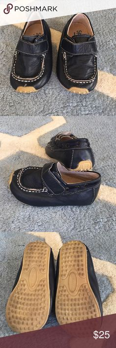 Skeanie Loafers Very well made leather loafers for your dapper dude. Worn once with only minor wear on soles.  Euro size 23, which translates to size 7. Maximum foot length for size 23 is 5.4 inches, as indicated by Skeanie. Skeanie Shoes