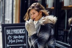 Jak ocieplane są płaszcze Top Secret? Fur Coat, Jackets, Fashion, Down Jackets, Moda, Fashion Styles, Fashion Illustrations, Fur Coats, Fur Collar Coat