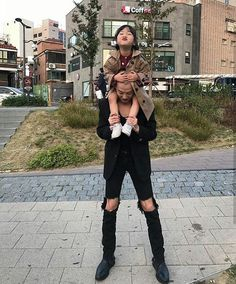 you'll find amazing pins do come and kljoin the LIT CREW ♕ insta: _onelitlife for selfcare tips/threads Cute Asian Babies, Korean Babies, Asian Kids, Cute Babies, Asian Child, Father And Baby, Dad Baby, Ulzzang Kids, Ulzzang Couple