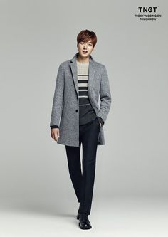 14 Swoon-worthy photos of Lee Min Ho in dashing fall attire Korean Star, Korean Men, Korean Celebrities, Korean Actors, Actors Male, Minho, Kwak Si Yang, Kdrama, Lee Min Ho Photos