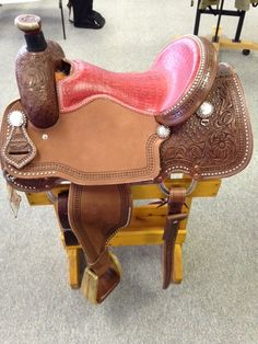 Connolly Saddlery Lite All Around saddle - chocolate Leather, gator seat and silver dots