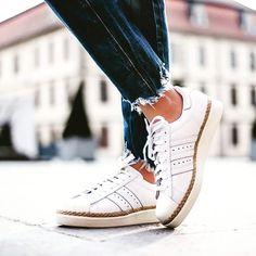 """buy online b8d39 11b0e  freesportx on Instagram  """"L iconica Adidas Superstar che non passa mai di  moda... i dettagli avvolgenti in iuta, ispirati alle espadrilles, donano un  look ..."""
