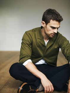 Theo James photographed by Rokas Darulis for ES Magazine, March 2017