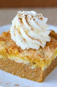 Pumpkin Cream Cheese Dump Cake | Cookboum