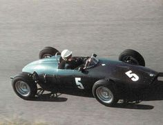 1961 Dutch GP, Zandvoort : Tony Brooks, BRM 48/57 #5, Owen Racing, Practice. (ph: pinterest.com)