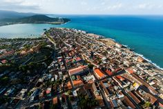 El fotógrafo aéreo Marius Jovaisa realizo en el 2010 una colección de imágenes de Cuba que vende en su libro Unseen Cuba y que resaltan la belleza de la isla. Aquí le dejamos algunas de