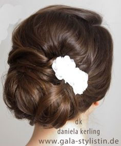 Brautfrisur, simple roll, back of the head, classic bridal hairstyle, – up-dos … – Shine Best Christmas Gift Baskets, Easy Diy Christmas Gifts, Bob Hairstyles, Wedding Hairstyles, Bridal Hairstyle, Chignon Simple, Braided Updo, Prom Hair, Updos