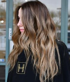 Black Coffee Hair With Ombre Highlights - 10 Cool Ideas of Coffee Brown Hair Color - The Trending Hairstyle Brown Auburn Hair, Brown Hair Cuts, Chestnut Brown Hair, Brown Hair Looks, Golden Brown Hair, Brown Hair With Blonde Highlights, Brown Hair Balayage, Hair Color Highlights, Caramel Highlights