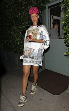 Rihanna Rihanna Dines At Giorgio Baldi Rihanna. RiRi #Rihanna, #Riri, #pinsland, https://apps.facebook.com/yangutu