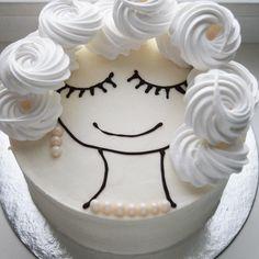 """Сегодня Всемирный день доброты!!!☺️ Кушайте тортики и будьте добренькими «Делай добро, бро!»(С) Йоу На фотке: Лаванда-черника ➡️ Вес: 2 кг ➡️ Цена: 2000₽ ☎️ WA/Viber +79129907389 Самовывоз: район гипермаркета """"Южный"""" Доставка по городу: 200 ₽ __ #капкейкитюмень #капкейкитюменьназаказ #капкейктюмень #тортытюмень #тортытюменьназаказ #муссовыеторты #муссовыетортыназаказ #десертытюмень #сладоститюмень #сладкийстолтюмень #Sladkosweeta"""