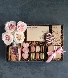 Send a sweet greeting to your loved ones with pretty shades of blush and craft: 'Pretty in Pink' by Winston Flowers. Bridesmaid Gift Boxes, Bridesmaid Proposal Gifts, Bridesmaid Makeup, Boyfriend Gift Basket, Boyfriend Gifts, Cute Gifts, Diy Gifts, Flower Box Gift, Gift Crates