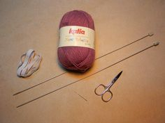 Explicación pantalón corto sencillo para bebé – El castillo de lana Baby Knitting, Chanel, Lana, Crochet, Knitting Patterns, Baby Things, Kid Outfits, Handmade Baby Clothes, Baby Knits