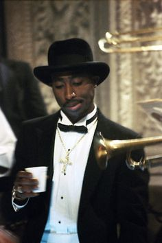 Let loose this Memorial Day with some classic rap with Playlist of the Day for May 27, 2013. Songs by 2Pac, Scarface, Geto Boys, Snoop Dogg, Three 6 Mafia, Bone Thugs-N-Harmony, Ice Cube, Naughty By Nature, The Game, Bizzy Bone, Busta Rhymes, Digital Underground, DMX, Do Or Die, and many more...  Gangster Rap http://www.playlist.com/playlist/23957774603