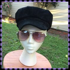 Black suede hat Black genuine suede hat. Newsboy style. Trixie Accessories Hats