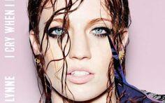 """Jess Glynn, dopo le hit degli ultimi anni arriva con un album tutto suo È stata la voce delle ultime hit dell'estate, ma adesso arriva negli store digitali e nei negozi di dischi con album che è già destinato a segnare molti record. Jess Glynn debutta con """"I Cry When I L #jessglynn #icrywhenilaugh #2015"""