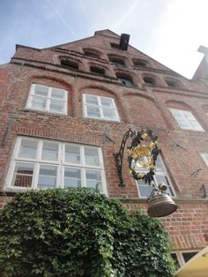 Classical architecture in Lüneburg One Day Trip, Classical Architecture, Middle Ages, Places To See, Germany, Classic Architecture, Day Trips, Deutsch, Mid Century