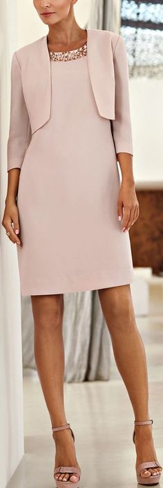 Un color que nunca pasa de moda http://boomerinas.com/2014/01/31/what-is-smart-casual-for-women-on-cruises/