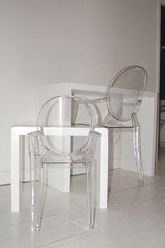 Dorin i mamin stol i stolice 來自 Dora iz Londona