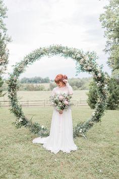 Circle Wedding Arch | photography by http://kir2ben.com