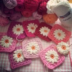 Daisy Sqare Vintage style by BautaWitch - I know a fabulous lady that would LOVE LOVE LOVE this blanket!  I hope I get to make it for her someday, maybe in blues with the white daisies! oh, so cute