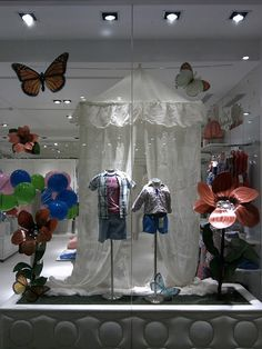 Window Display - VM - Store Interior