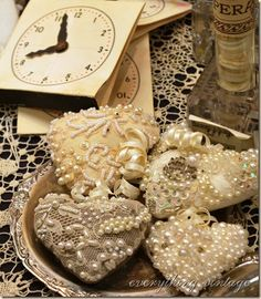 So Shabby Chic And Sweet.A Tumbl'r Photograph Of Hearts With Lace, Pearls, Etc. Shabby Chic Crafts, Vintage Crafts, Vintage Paper, Decoration Shabby, Decorations, Pearl And Lace, Gold Lace, Fabric Hearts, I Love Heart