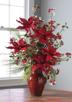 Christmas Flower Arrangements, Christmas Flowers, Christmas Wreaths, Christmas Crafts, Christmas Planters, Gold Christmas Decorations, Deco Floral, Creations, Holidays