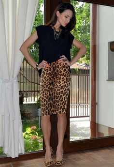 23f9a72b8e what to wear with a leopard print skirt - Ecosia Stylish Handbags, Printed Pencil  Skirt