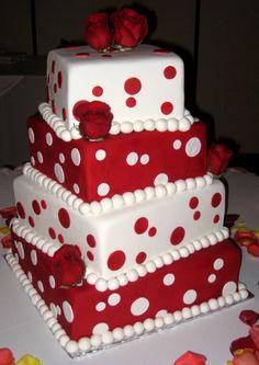 cake with pokadots!!