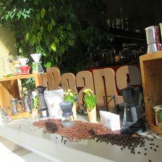 Mit Sonnenschein in den Frühling! 😎 Espresso, Coffee Shop, Beans, Table Decorations, Sunshine, Kaffee, Espresso Coffee, Coffee Shops, Coffeehouse