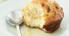 Try this easy recipe for a refreshing take on the muffin! Ww Recipes, Muffin Recipes, Cupcake Recipes, Baking Recipes, Dessert Recipes, Desserts, Baking Ideas, Recipies, Healthy Banana Muffins