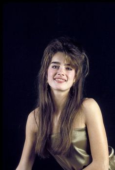 Brooke Shields pictures and photos Brooke Shields Pretty Baby, Brooke Shields Young, Vaquera Sexy, Thick Eyebrows, Manhattan New York, Love Her Style, Beautiful Models, Beautiful Women, Pretty Face