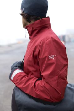 Men's A2B Commuter Hardshell Jacket by Arc'teryx: Men's waterproof/breathable GORE-TEX® jacket designed for urban bike commutes and city living.