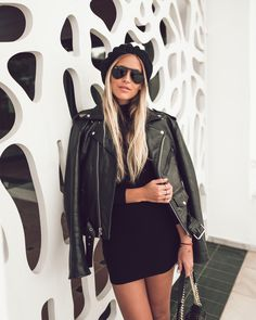Black on black | Janni Delér