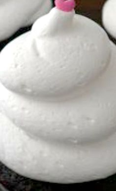 White Cloud Icing Recipe ~ Says: Light and fluffy. No butter, no powdered sugar, dairy free.... and the best frosting you will every make! Pipes so easy.