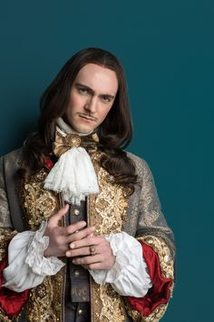 Detailing/ costume inspiration George Blagden as King Louis XIV in 'Versailles' Canal+ Production) Versailles Bbc, Louis Xiv Versailles, Versailles Tv Series, Theatre Costumes, Movie Costumes, Serie Tv Francaise, George Blagden, Luis Xiv, 17th Century Fashion