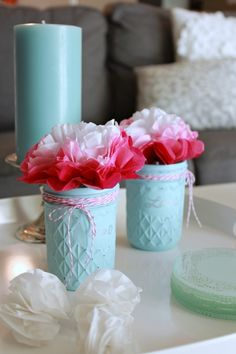 The best DIY projects & DIY ideas and tutorials: sewing, paper craft, DIY. Diy Crafts Ideas These glass jars are SO beautiful and really easy to make! Valentine Day Crafts, Valentine Decorations, Valentine Ideas, Birthday Decorations, Mason Jar Crafts, Mason Jar Diy, Jelly Jar Crafts, Painting Glass Jars, Painted Mason Jars