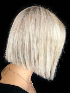Just visit here and find amazing ideas of blunt bob haircuts a long with blonde shades to try on all the especial occasions in All the bold women can use to wear this fantastic bob cut for unique look. Bob Haircuts 2017, Blunt Bob Haircuts, Modern Bob Hairstyles, Best Bobs, Bob Cuts, Shades Of Blonde, Haircut Styles, Hair Looks, Hair Lengths