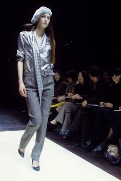 Louis Vuitton RTW Fall 2000 [Photo by WWD Archive]