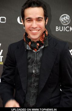 Pete Wentz is too cute