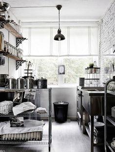 my scandinavian home: A dreamy Finnish lake-side cabin with a twist Kitchen Dinning, Kitchen Decor, Kitchen Design, Industrial Style Kitchen, Decoration Inspiration, Interior Decorating, Interior Design, Scandinavian Home, Interior Exterior